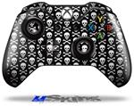 Skull and Crossbones Pattern - Decal Style Skin fits Microsoft XBOX One Wireless Controller